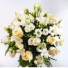 Buchet trandafiri si lisiantus